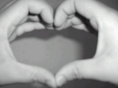 Mão, sou gay e amo coraçõeszinhos